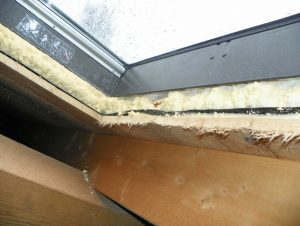 Dachflächenfenster-Fehlender luftdichter Anschluss