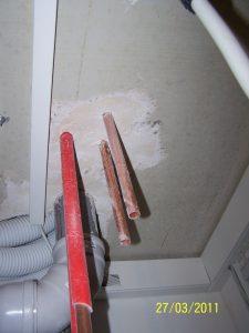 Fehlende Dämmung Installationsleitungen