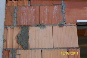 Mangelhaft ausgeführtes Außenmauerwerk 05